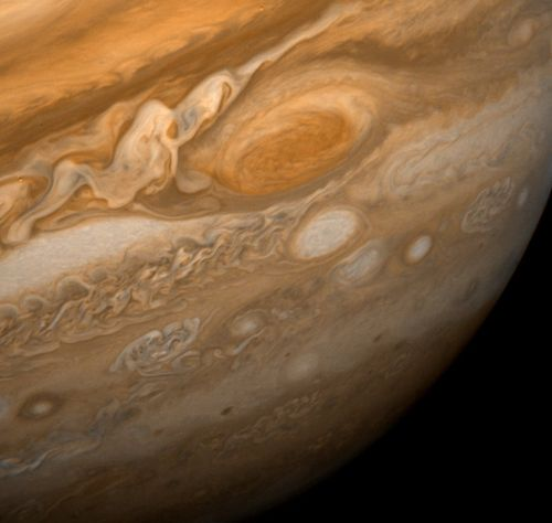 Jupiter-great-red-storm-800