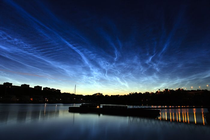 Noctilucent_clouds_over_Stockholm