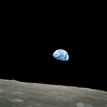 1920px-NASA-Apollo8-Dec24-Earthrise